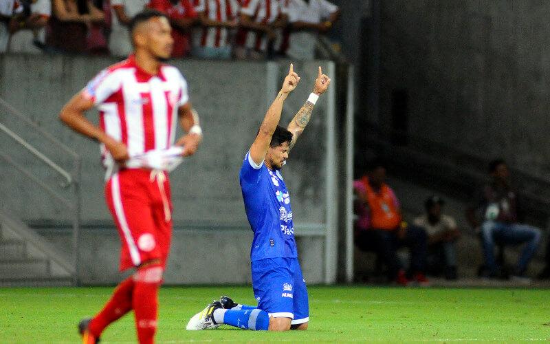Náutico leva 4 gols do Confiança na Arena e perde a 3ª seguida na Série C