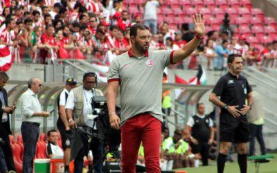 Roberto Fernandes encerra a 4ª passagem no Náutico com 47% de aproveitamento e primeiro título