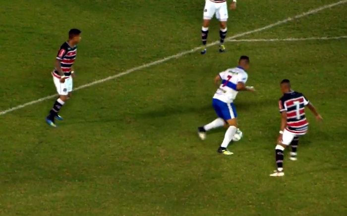 Santa Cruz perde de virada no Acre para o líder Atlético e sai do G4