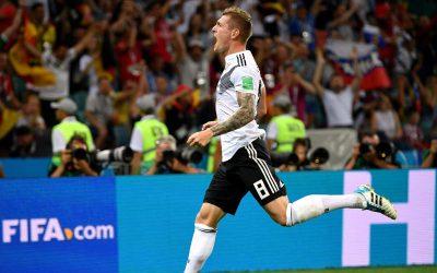 Alemanha consegue virada com golaço de Kroos aos 49/2T e segue viva na Copa