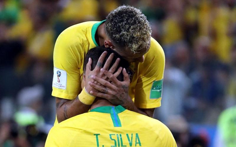Brasil vence bem a Sérvia e passa da fase de grupos pela 13ª vez seguida