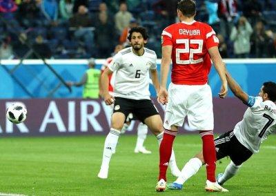 Rússia vence Egito de Salah com outro gol contra na Copa, o 5º em 17 jogos