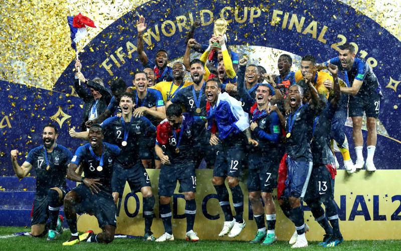 França confirma favoritismo, atropela a Croácia e é bicampeã mundial