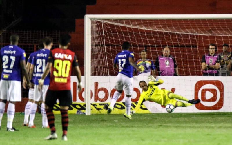 Magrão pega pênalti e Sport empata sem gols com o Cruzeiro na Ilha