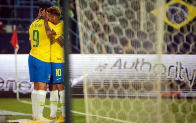 """Burocrática, a Seleção vence a Arábia na preparação para o """"Superclássico"""""""