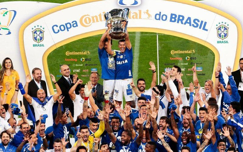 Milionário, Cruzeiro vence o Corinthians de novo e chega ao hexa na Copa do Brasil