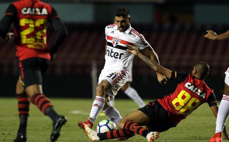 Mailson pega pênalti e Sport e empata sem gols com o São Paulo no Morumbi