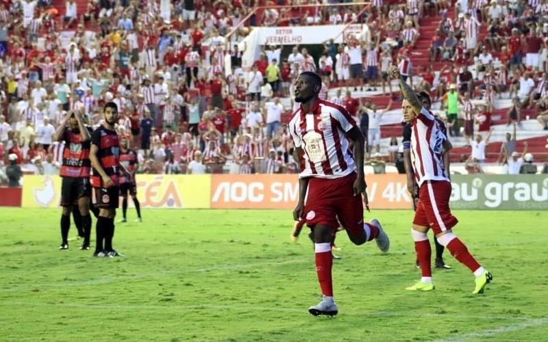 Em tarde movimentada, Náutico vence o Flamengo e entra no G4 do Estadual