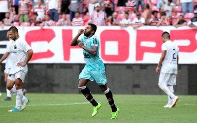Com gol de Jô, Santa Cruz supera o ABC na Arena e vence a 1ª no Nordestão