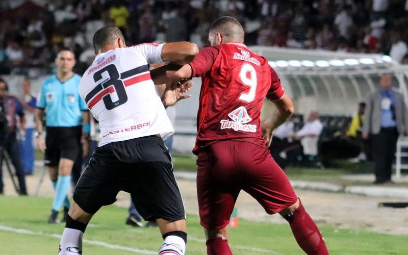 O acerto prévio entre Santa e Náutico para a divisão da cota na Copa do Brasil. Concorda?