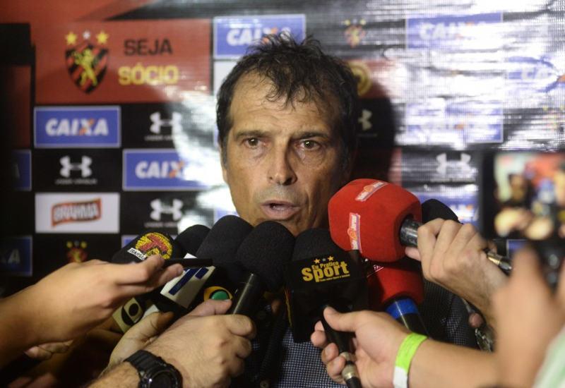 Milton Cruz deixa o Sport após 7 partidas em 1 mês. Sem evolução…