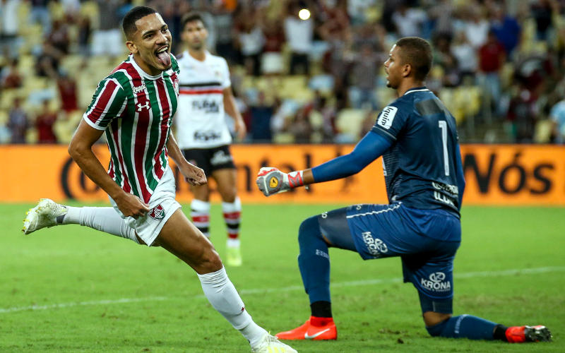 Fluminense domina o Santa, vence e abre vantagem na Copa do Brasil