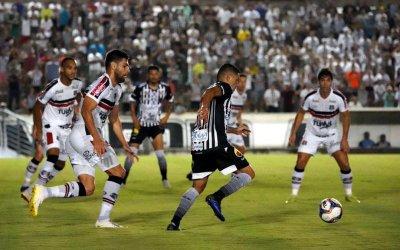 Santa Cruz empata com o Botafogo em João Pessoa e segue sem vitória na C