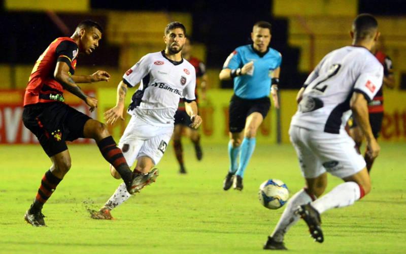 Sport desperdiça muitas chances e empata sem gols com Brasil de Pelotas