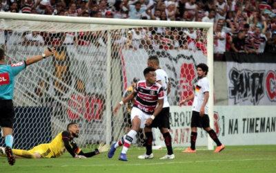 Santa Cruz vence jogo duro contra o Globo e chega vivo na última rodada