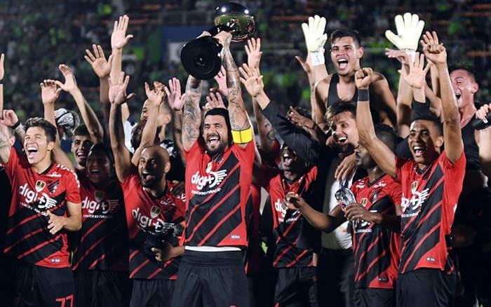 No Japão, Athletico-PR ganha 2º título internacional oficial. Mais um degrau