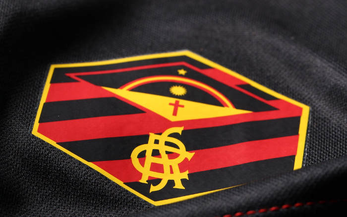 A 1ª linha de uniformes do Sport via Umbro, para a temporada 2019/2020