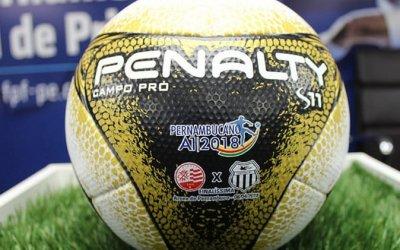 A bola dourada e personalizada para a decisão do Pernambucano de 2018