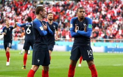 Com gol de Mbappé, a França elimina o Peru e se garante nas oitavas da Copa