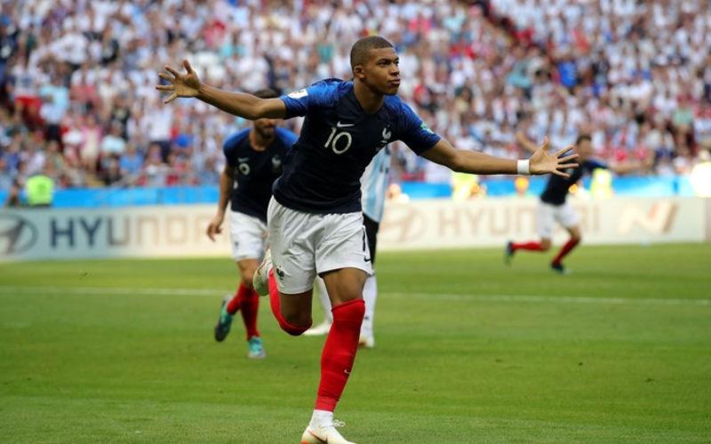 Mbappé acelera e França elimina a Argentina em Kazan. Messi apagado