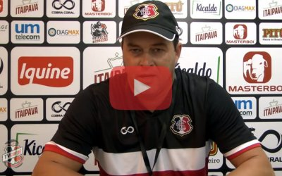 Vídeo – À TV Coral, Roberto Fernandes relembra passagem na base do Santa