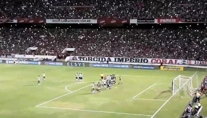 O primeiro gol de falta de Vítor por todos os ângulos do Arruda