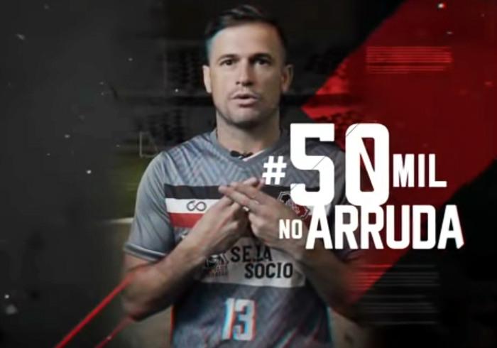 A campanha do Santa para ter 50 mil pessoas no Arruda. Última vez em 2013