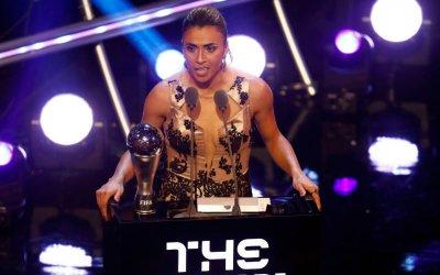 Marta ganha o prêmio de melhor do mundo pela 6ª vez em 13 indicações