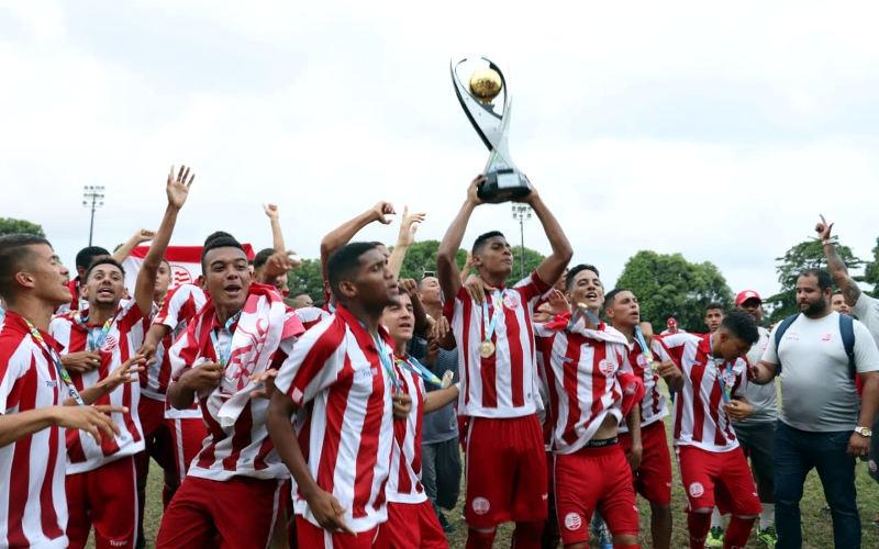 Invicto, Náutico vence o Sport nos pênaltis e conquista o Estadual Sub 17