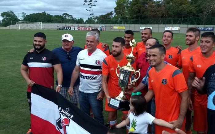 Santa Cruz ganha as três taças na inauguração do CT Ninho das Cobras
