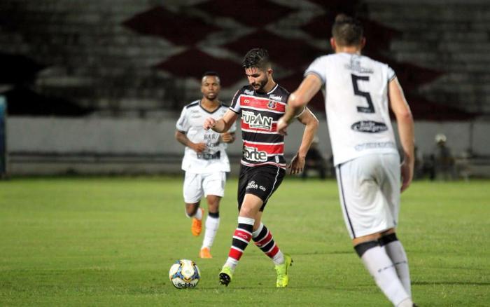 Com gol aos 51/2T, Santa Cruz empata com o Treze no Arruda na estreia da C
