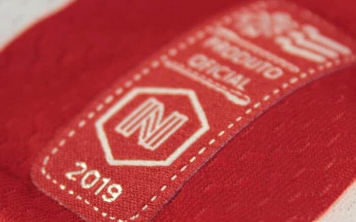 A primeira linha de uniformes da N6 (ou N Seis), a marca própria do Náutico