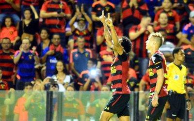 Com hat-trick do Brocador, o Sport vence o líder Londrina na Ilha