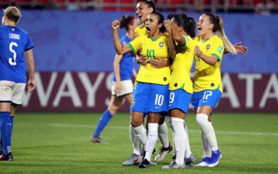 Recordista, Marta chega a 17 gols em Mundiais e Brasil avança às oitavas