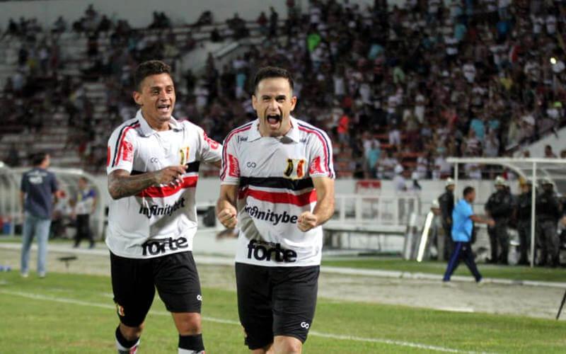 Pipico decide e o Santa Cruz vence o Confiança, com o 3º triunfo seguido