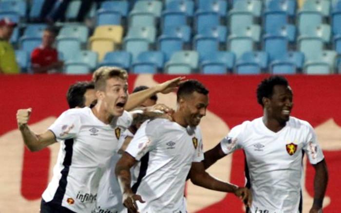 Em noite de lesões, Sport vence o Vila Nova em Goiânia e segue na cola do G4