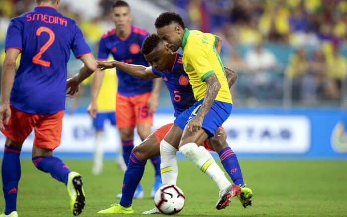 """Na volta de Neymar, Brasil empata com a Colômbia nos EUA. A rotina """"global"""""""