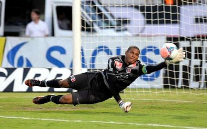 Tiago Cardoso retorna ao Santa após 3 anos e ampliará histórico de 276 jogos