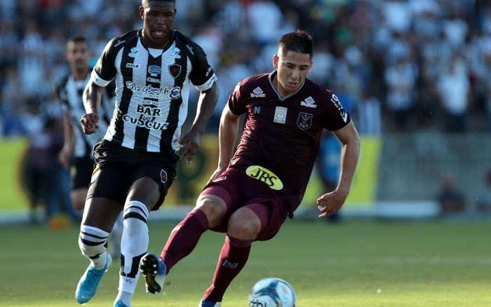Com dois expulsos, Náutico perde do Botafogo no Almeidão. Atuação ruim