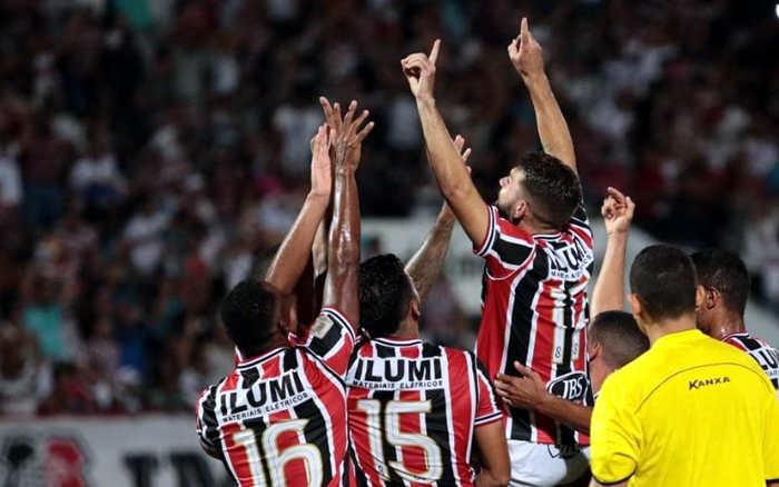 Santa Cruz goleia o Botafogo atuando com um a menos durante 70 minutos