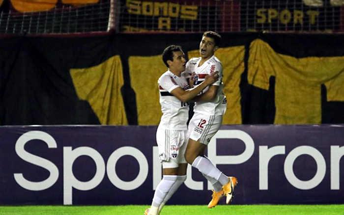 Inofensivo, Sport perde do São Paulo, novamente na Ilha, e entra na zona
