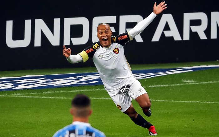 Sport segura a pressão, vence o Grêmio em Porto Alegre e sai do Z4