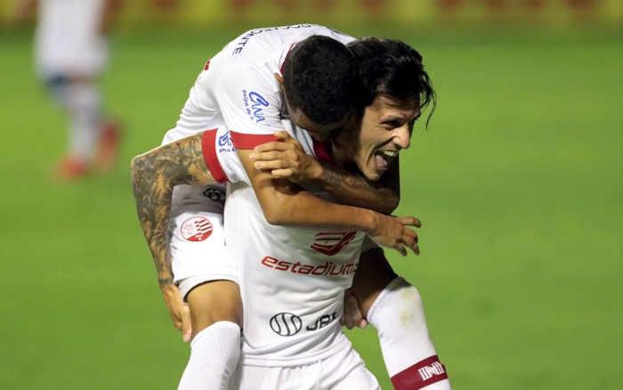Com 3 gols de fora da área, Náutico vence o Botafogo-SP. A 3ª vitória em 4 jogos