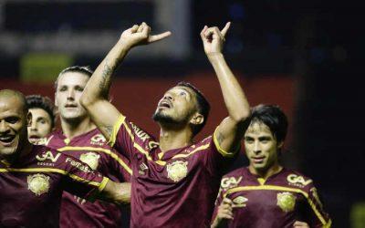 Com 26% de posse, o Sport segura a pressão e vence o Fluminense na Ilha