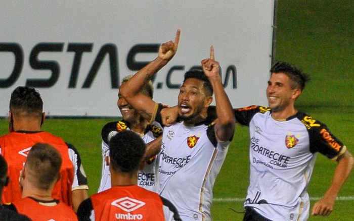 Sport vence o Bahia em Salvador e entra no G6. VAR anulou gol tricolor aos 49/2T