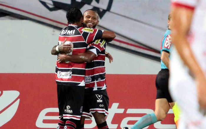 Santa Cruz supera desfalques pela Covid-19, vence o Vila Nova e se classifica