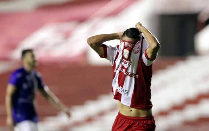 De virada, o Náutico vence jogo-chave contra o Paraná e dorme fora do Z4