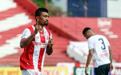 Náutico faz 5 gols em 35 minutos e atropela o Central na estreia do PE; só Kieza marcou 4