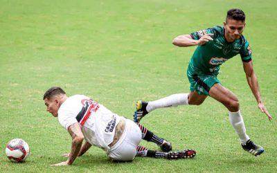 Inconstante, Santa perde do Manaus na estreia da Série C. Futebol longe do ideal