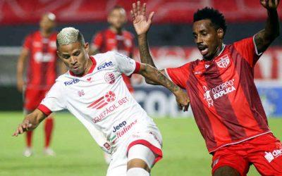 Náutico sofre gol do CRB aos 45/2T e empata pela 3ª vez seguida; despedida de Erick